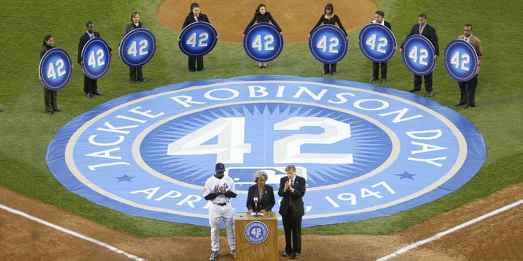 Contribute to the Jackie Robinson Museum